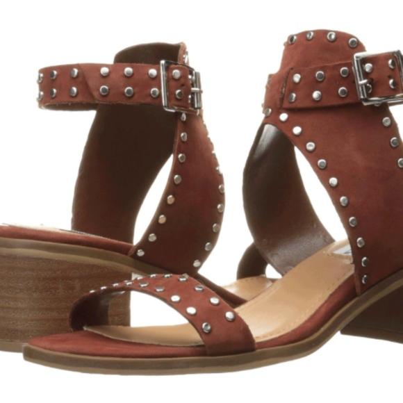 7ff70160d97748 Steve Madden Gila studded Sandals. M 5b1360347386bc7bfacecd90
